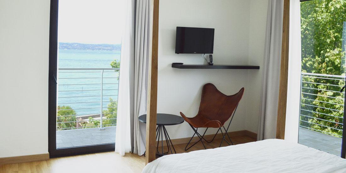 Deluxe Corner Room
