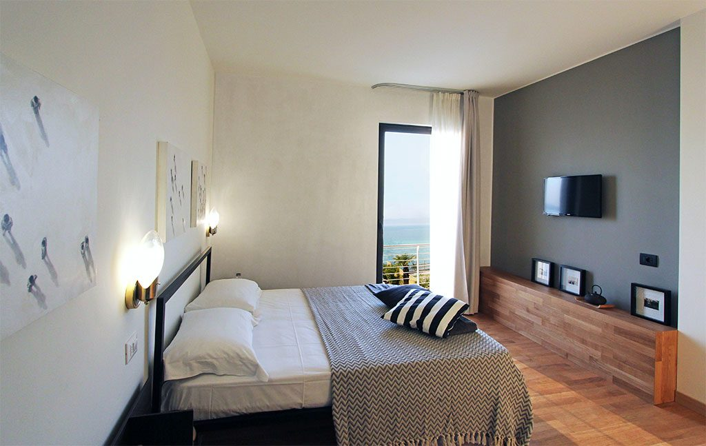 Aqva boutique hotel sirmione 18 rooms boutique hotel for Boutique inns with rooms