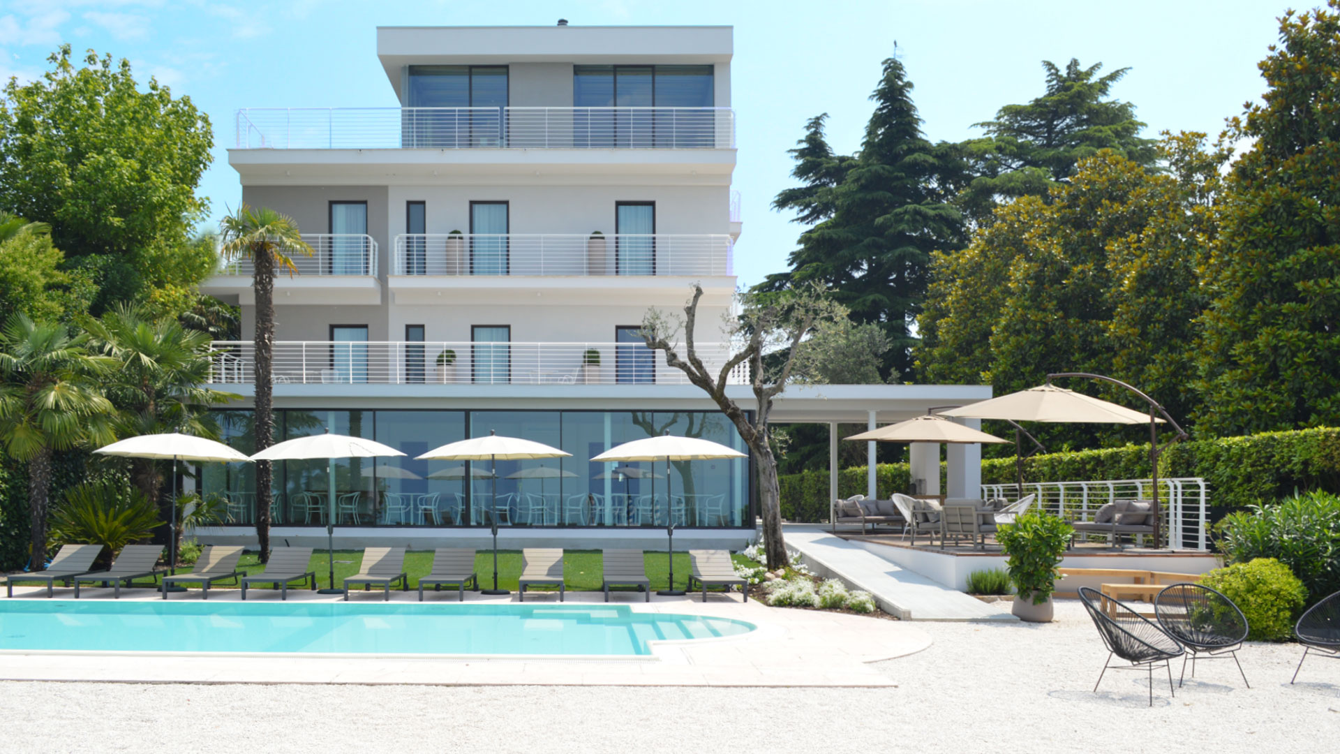Aqva boutique hotel sirmione 18 rooms boutique hotel for Design hotel verona